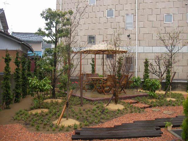施工事例:四季を楽しむ庭